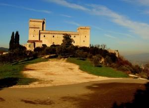 La Rocca domina la collina