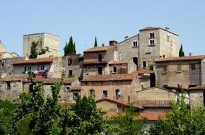 Borgo antico con torre