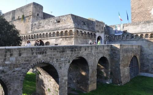 Bari - Entrata del Castello svevo di Bari