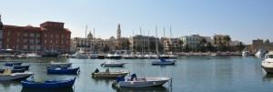 Il mare, le barche, il teatro Margherita, il campanile, la città vecchia, la muraglia….