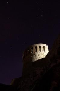 Antico Torrione sotto il cielo stellato
