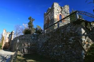 porte e muro del castello di Castellamonte