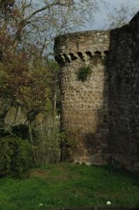Le mura difensive di Sutri