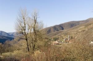 Panoramica da una frazione di Mongiardino Ligure.