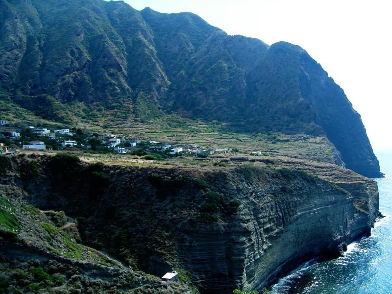 ''Le alte coste di Pollara'' - Malfa