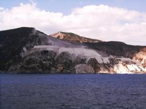 Le cave di pomice viste dal mare