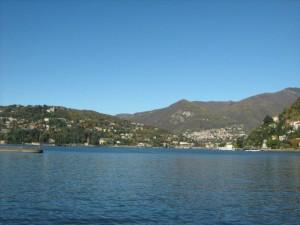 A rimirar il lago di Como