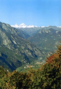 Vert e le sempre belle montagne di Champorcher