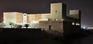 Il Castello Svevo di Trani di sera