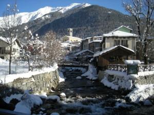 Decorazioni di neve a Ponte di Legno