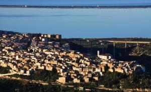 Panorama di Cagnano Varano (FG) col Lago di Varano ed il Mare Adriatico