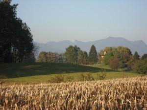 Il Poncione di Ganna e il profilo del Campo Dei Fiori, visti da Vegonno