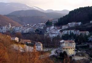 A 70 chilometri da Frosinone a 620 metri sopra il livello del mare.