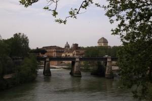Ponte Palatino, Sinagoga, Isola Tiberina e oltre