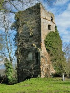 La torre rudere di Montecalvello