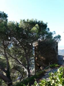 La rotonda di scarlino, sotto il castello, parte della cinta muraria