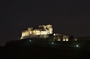""""""" nella sera una visione,il Castello di Torrechiara!!!!!!! """""""