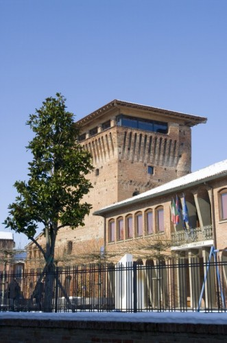 Carbonara Scrivia - La rocca e il municipio.