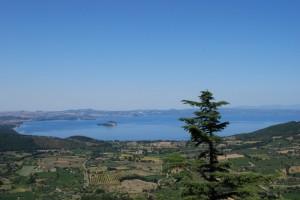 Vista sul lago di Bolsena da Montefiascone