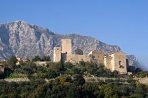 il castello delle Fratte e Fammera