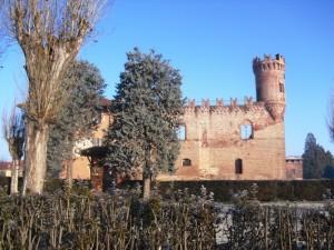 IL castello di Buriasco in una limpida giornata d'inverno