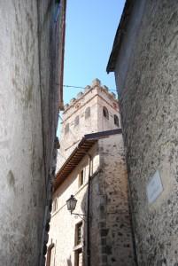 La merlata torre del Castello Brancaccio