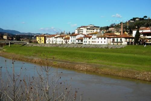 Signa - Le case lungo il fiume