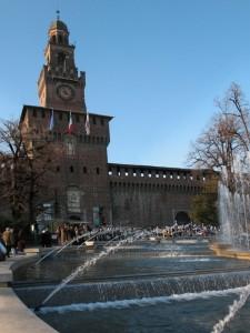 Il torrione d'ingresso al castello Sforzesco