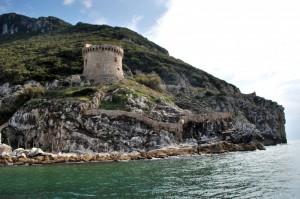 """Torre Paola si erge sul porto di """"Ulisse"""""""