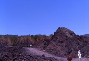 Etna, sentiero sulla lava