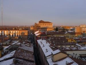 """La maestosità di Palazzo Farnese nello """"skyline"""" piacentino"""