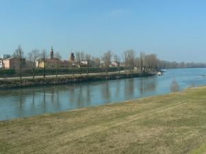 Panoramica sull'argine dell'Adige