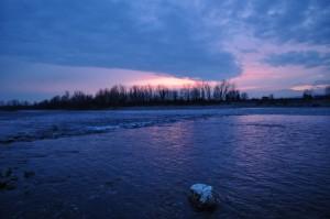 La serenità del crepuscolo sul fiume Brenta