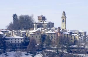 Il castello e il paese di Carpeneto.