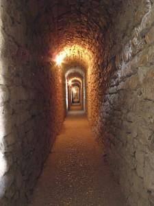 tunnel nella rocca di assisi