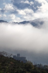 Castello tra le nebbie