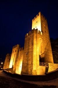Castello in notturna