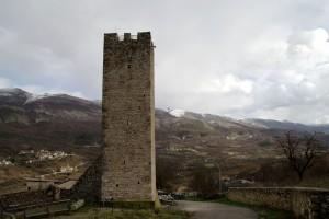La torre e le montagne