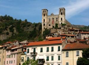 Dolceacqua, il Castello sopra il Borgo