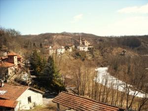 Borgo vecchio e fungo