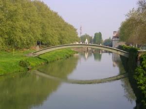 Padova: il Bacchiglione ed i sui disegni sulla acqua