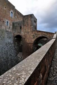 La Porta Principale del Castello dal Lato Sx
