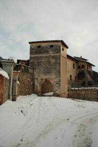 la porta del castello di valperga