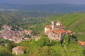 panorama dall'alto del borgo abbandonato