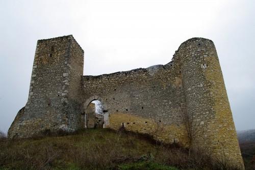 Prata d'Ansidonia - Questo castello assomiglia tanto a...........C.