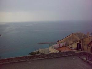 dalla piazza…verso il mare…l'orizzonte