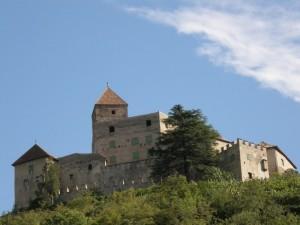 il cielo nuvole e castello