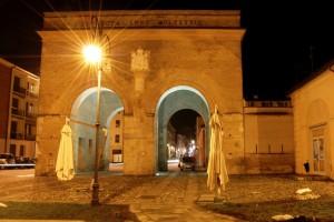 La porta della Santa Croce