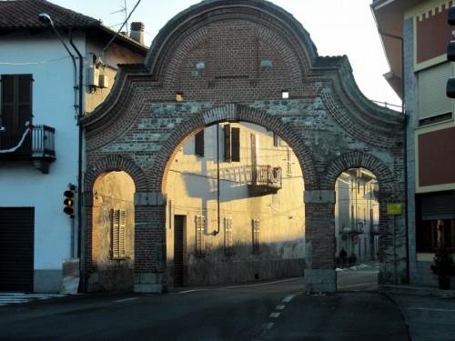 Borgo d'Ale - la porta d ingresso del paese