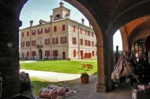 Villa Cavazza, panorama dai portici